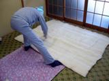 布団を仕立てる職人